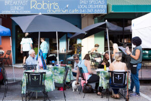 Robin's Downtown Cafe
