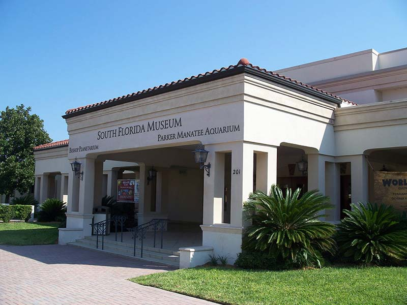 exterior of the bishop museum